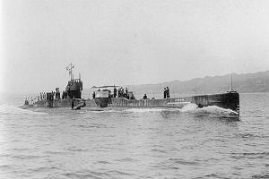 300px-IJN_SS_Ro51_in_1920_on_trial_run
